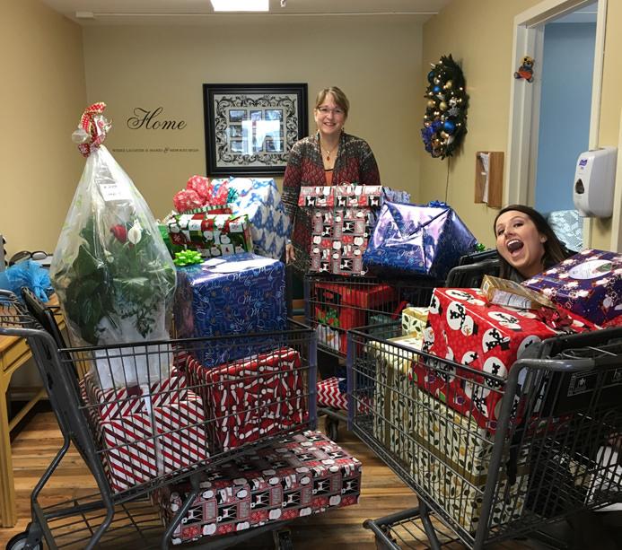 Santa to a Senior 2016 - Assisi Homes